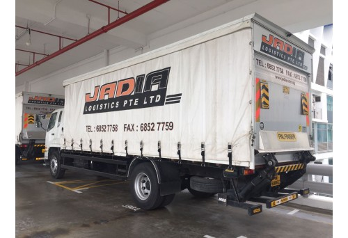 24ft (10 Tonnes) Canopy Truck with Hydraulic Tailgate